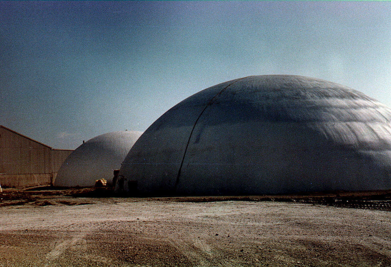 Bauxite Storages — Kaiser Bauxite had two 90' diameter and one 75' diameter Monolithic Domes built in Mexico and in Missouri for the storage of bauxite, a product imported from China for the production of aluminum.