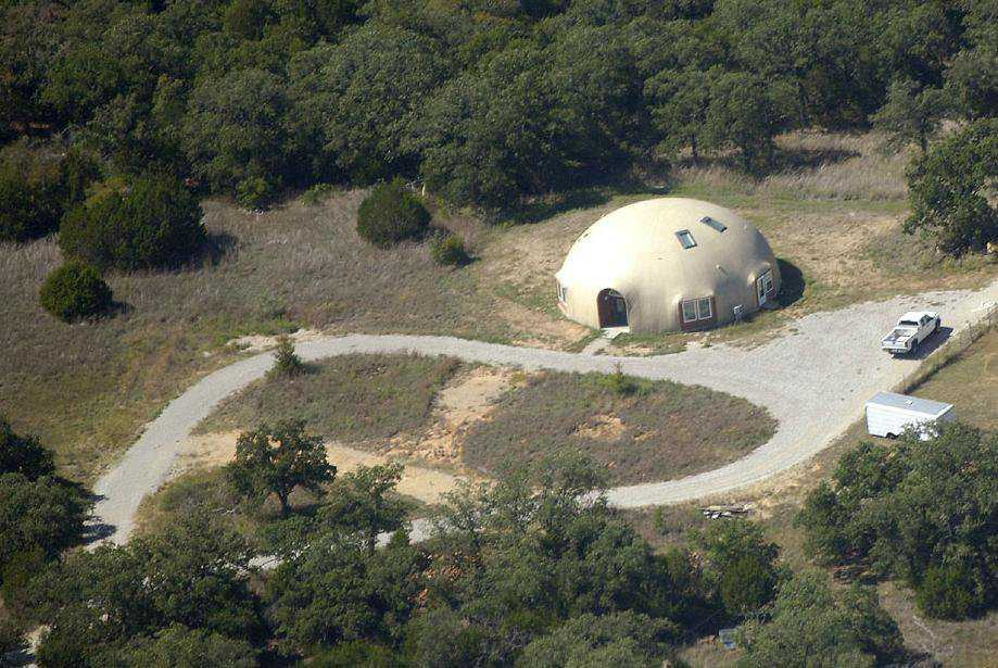 Palo Pinto Dome — By January 2008, this Monolithic Dome home was nearing completion.