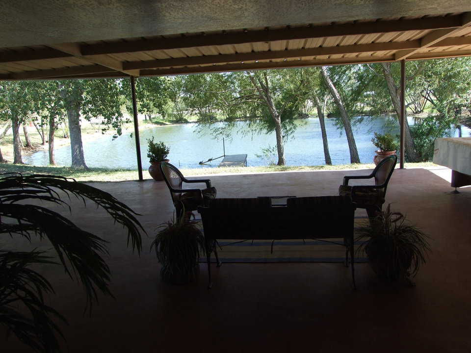Patio — Its large, comfortable patio is an integral part of Charca Casa.