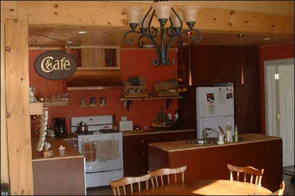 The Cushnie Cafe — It's a gourmet kitchen with plenty of storage and a convenient island.