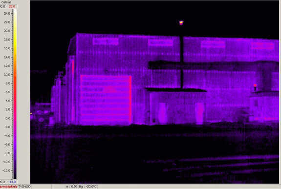 Figure 2.17 — Another metal shop building adjacent to the dome.  Note the brighter colors indicate more heat loss (obviously) than that of the super-insulated Monolithic Dome.