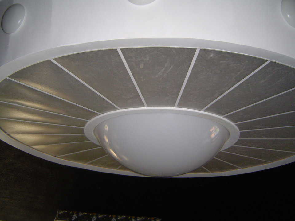 Flying Saucer Overhead Light