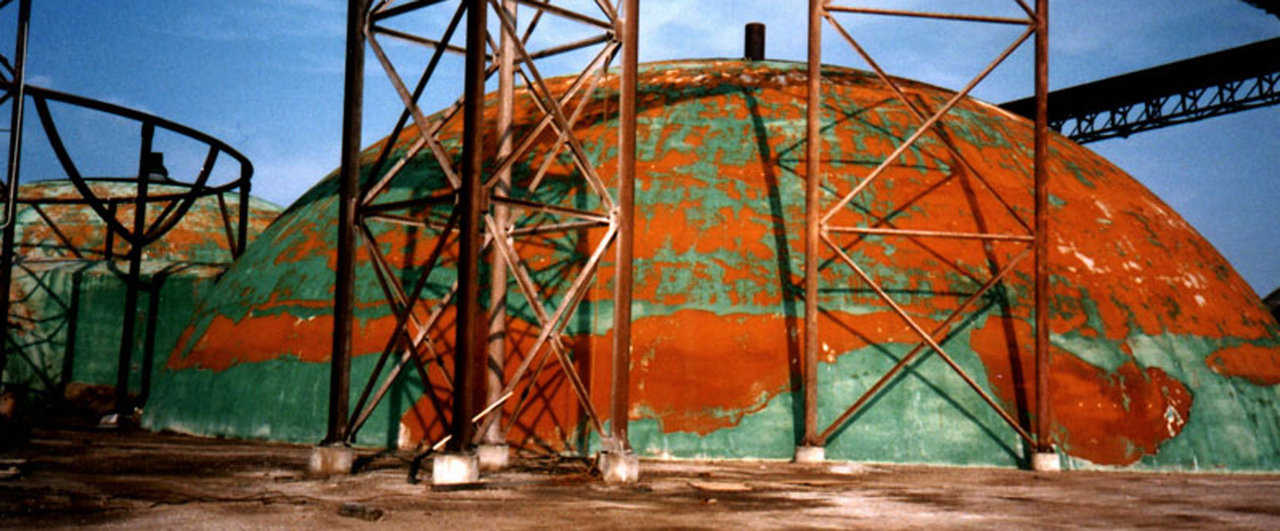 Vaper Drive — One of the early domes where the Airform was removed. Because the coating is in bad shape, the dome needs recoating or metal cladding – Chandler, Oklahoma.