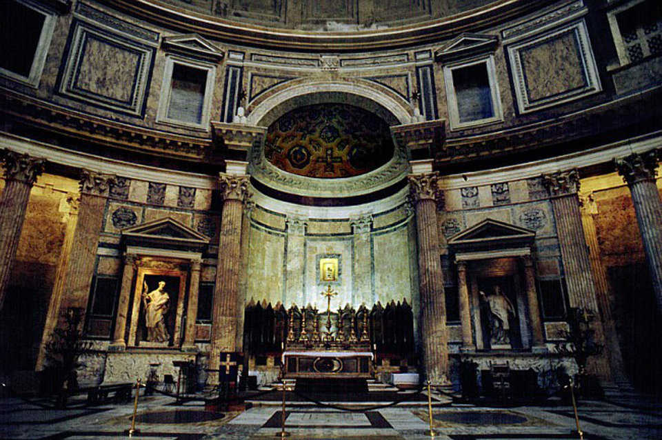 High altar — Using the design of Alessandro Specchi, Pope Clement XI (1700-1721) rebuilt the high altar and apse in the sanctuary.