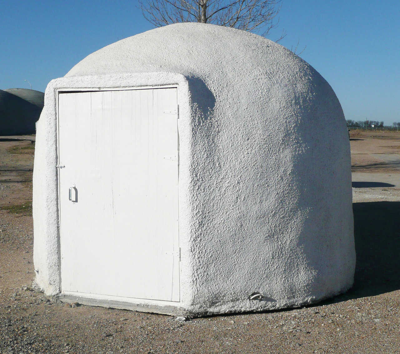 EcoShell II — Insulating an Ecoshell is simply another low cost alternative.