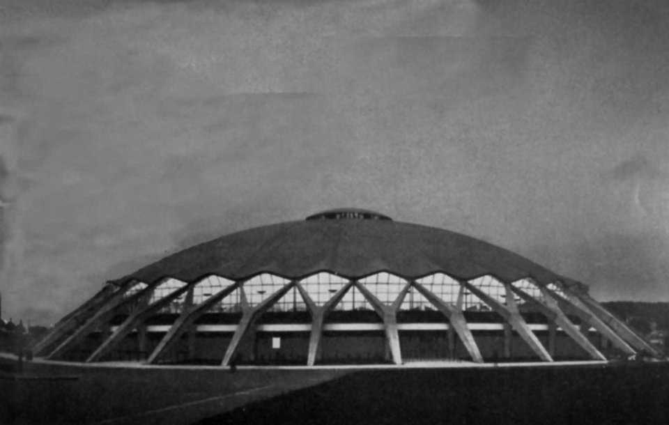 Pallazzo Dello Sport (Great Sports Palace)—Rome, Italy — Engineer Pier Luigi Nervi made this dome 194 feet in diameter and 69 feet in height.