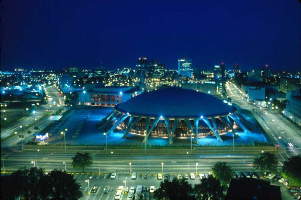 Norfolk SCOPE Arena & Conference Hall—Norfolk, Virginia — Norfolk Scope has the capacity of 85,000 square feet, 12,600 seats for sport events, 13,800 for conventions, and 150-seat restaurant.
