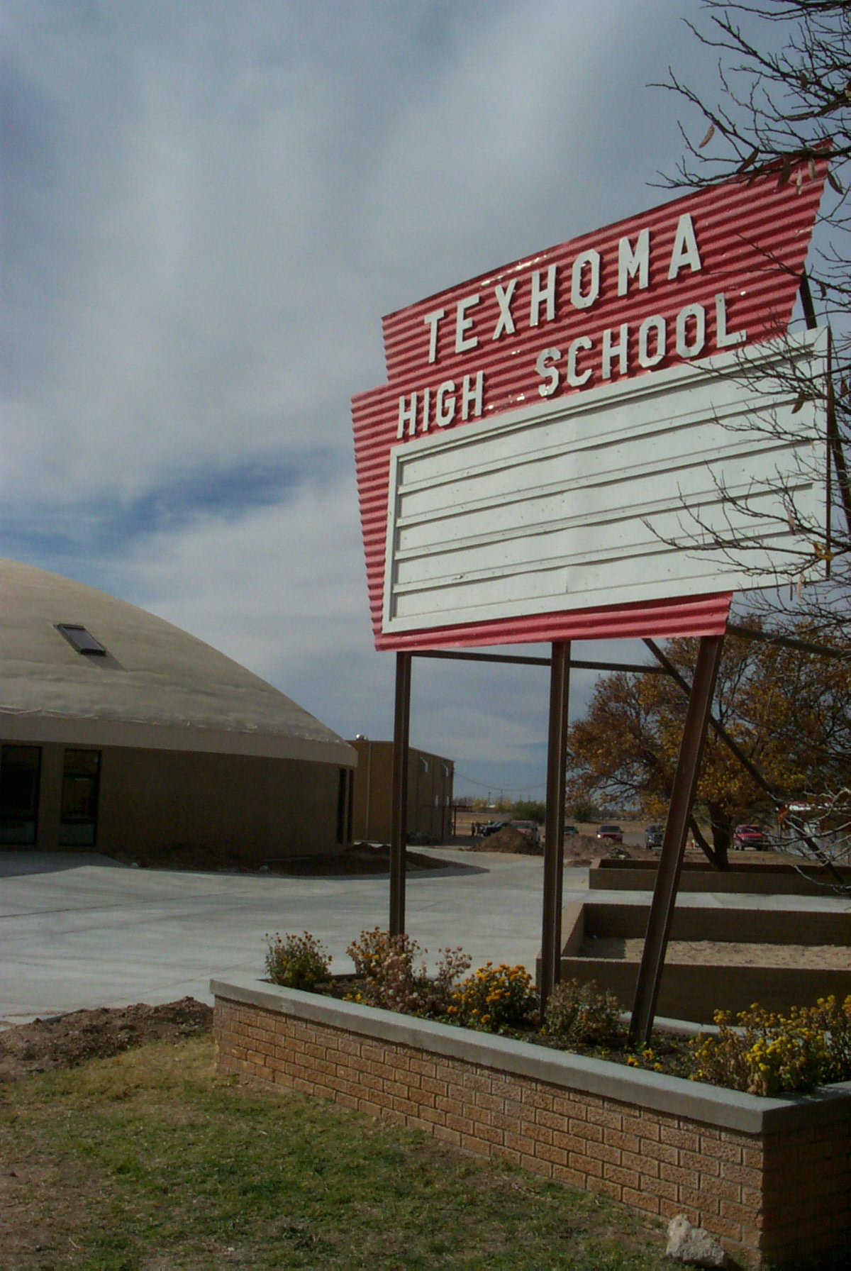 Texhoma School District — It serves approximately 500 students, in prekindergarten through grade 12, and now has a new Monolithic Dome facility for students in grades 5 through 12.