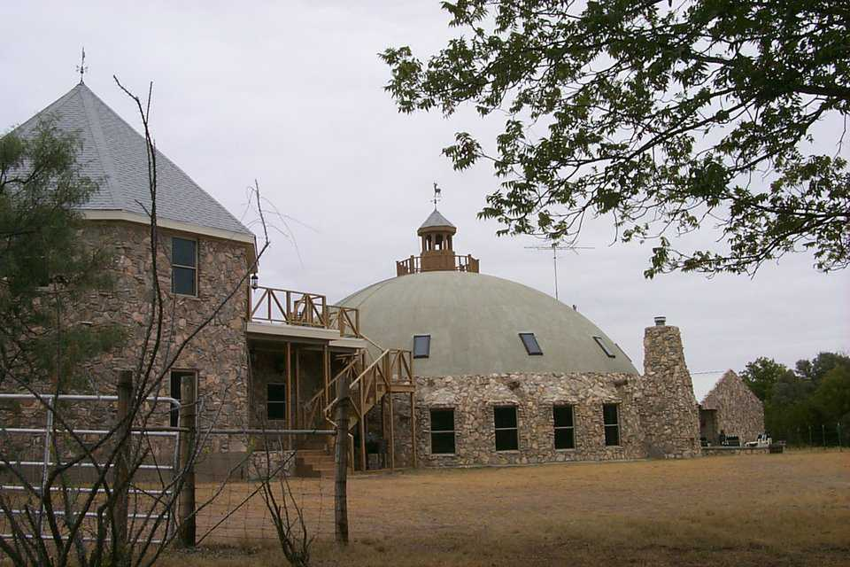 Incorporating shapes — When Bonnie and Bill McLeod built their hunting lodge in Blackwell, Texas, they combined a two-story Monolithic Dome with a two-story octagonal structure.