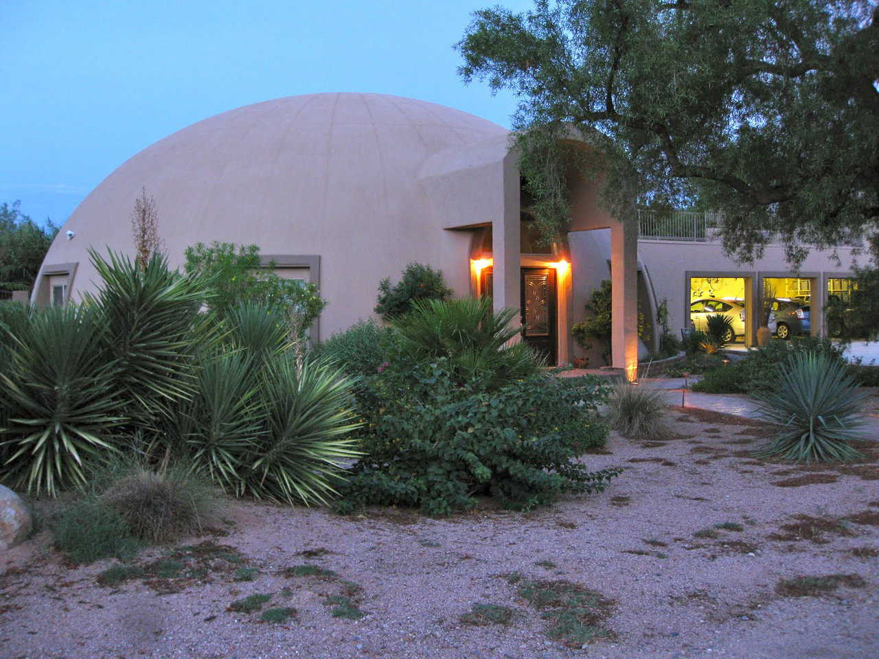 Stout Residence in Mesa, AZ – Carol and Roger Stout planned their fabulous Monolithic Dome home for five years.