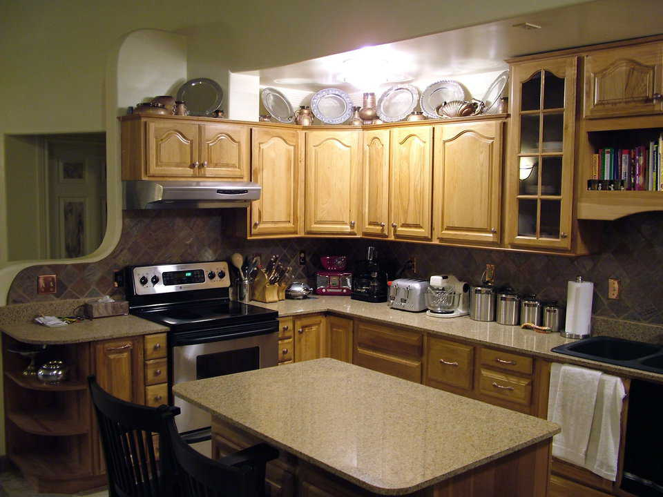 Comfortable work space – Appliances, cupboards and counters in the kitchen are arranged for efficiency and comfort.