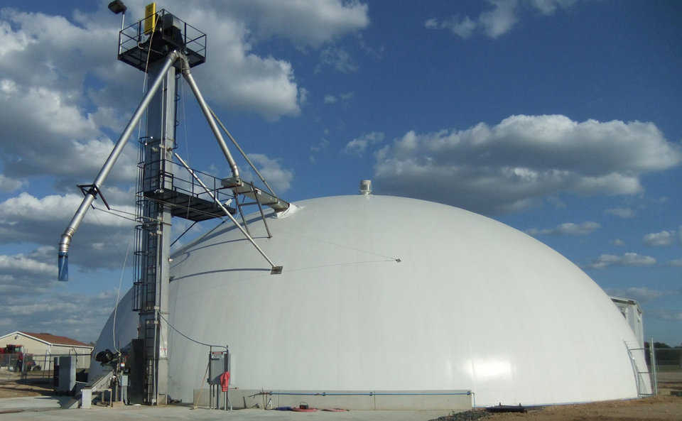 Monolithic Fertilizer Blend Plant — Blend plants are currently being constructed in Texas, Louisiana and Oklahoma. Shown here is a 95' diameter dome with a 3000 ton capacity.