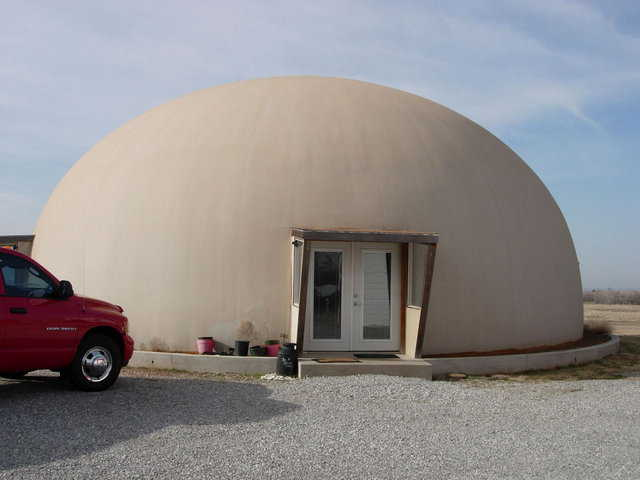 In Marlow, Oklahoma, retirees Darrell and Jerrilyn Strube own this 50-foot-diameter, two-story Monolithic Dome home.