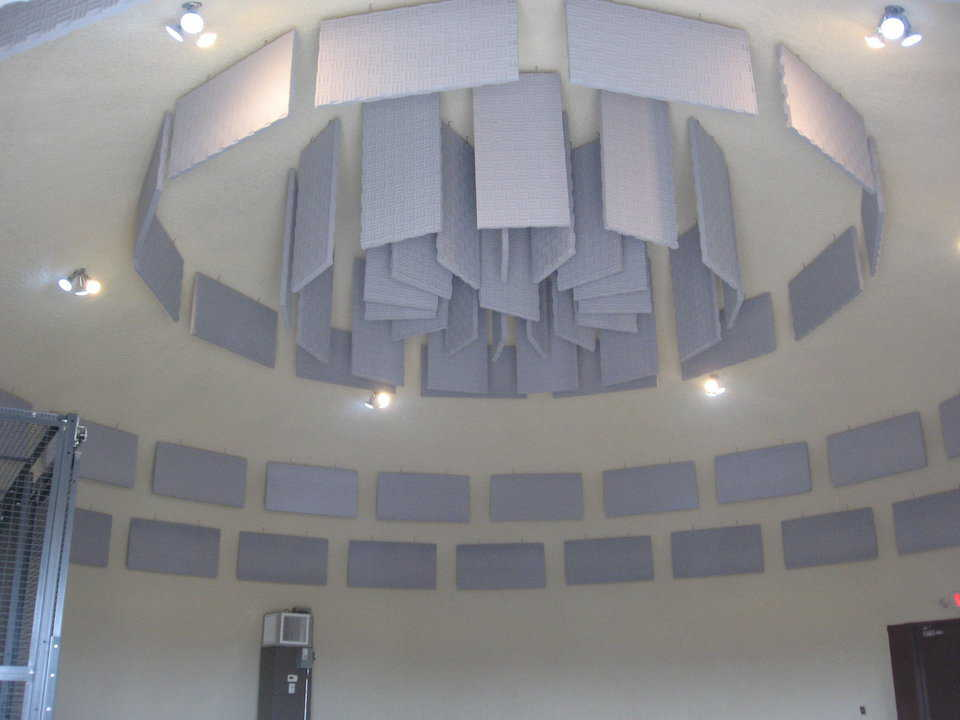 On its interior, the Headquarters Office dome has sound damper panels.