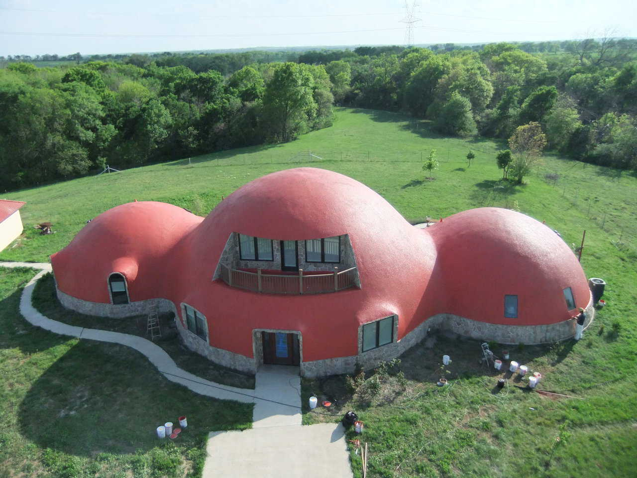 Aerial photo of the structure.