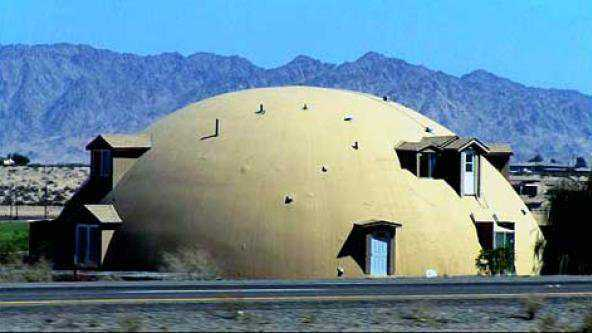 Yuma Dome, Yuma, Arizona   http://www.monolithic.com/stories/yumadome-a-multigenerational-monolithic-dome-home