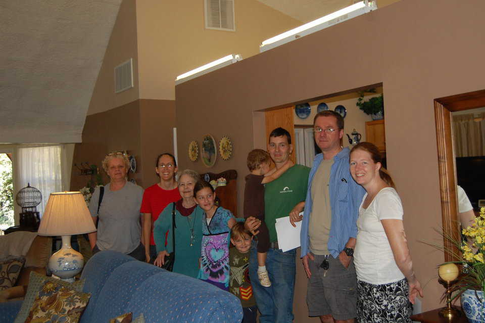 Former workshop attendee, Charles Zipper, brought his family and friends to the 2014 Monolithic Open House.