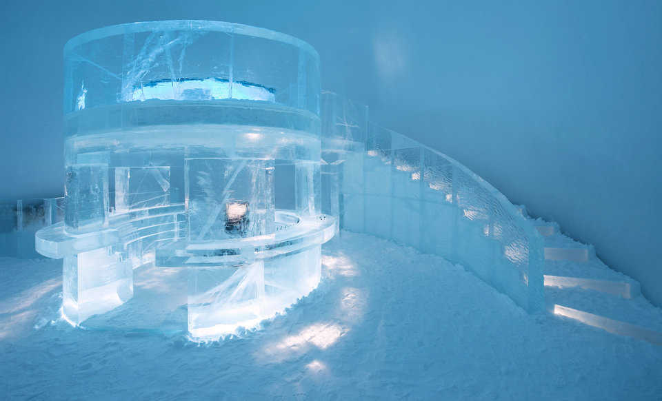 "The IceBar Jukkasjärvi design is called ""Tribute"" by Elin Julin, Marinus Vroom and Jens Thoms Ivarsson."