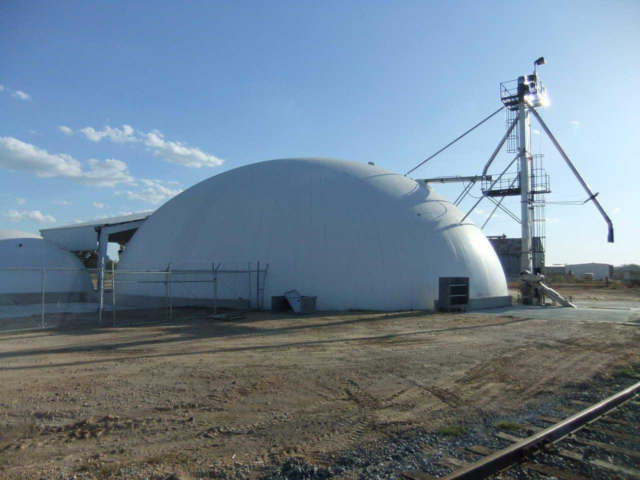 Fertilizer storage dome